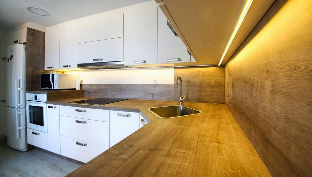 Encimeras duropal cocinas zaragoza astilo cocinas for Encimeras de madera para cocinas