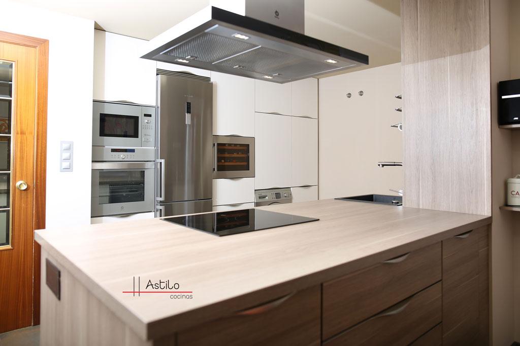 Reforma y amueblamiento de cocina en zaragoza cocinas - Amueblamiento de cocinas ...