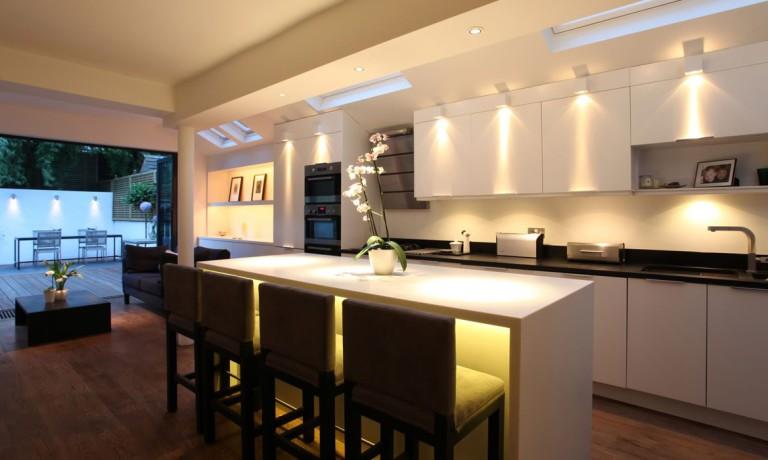 Equipa tu cocina con calidad y rendimiento energético: Astilo cocinas