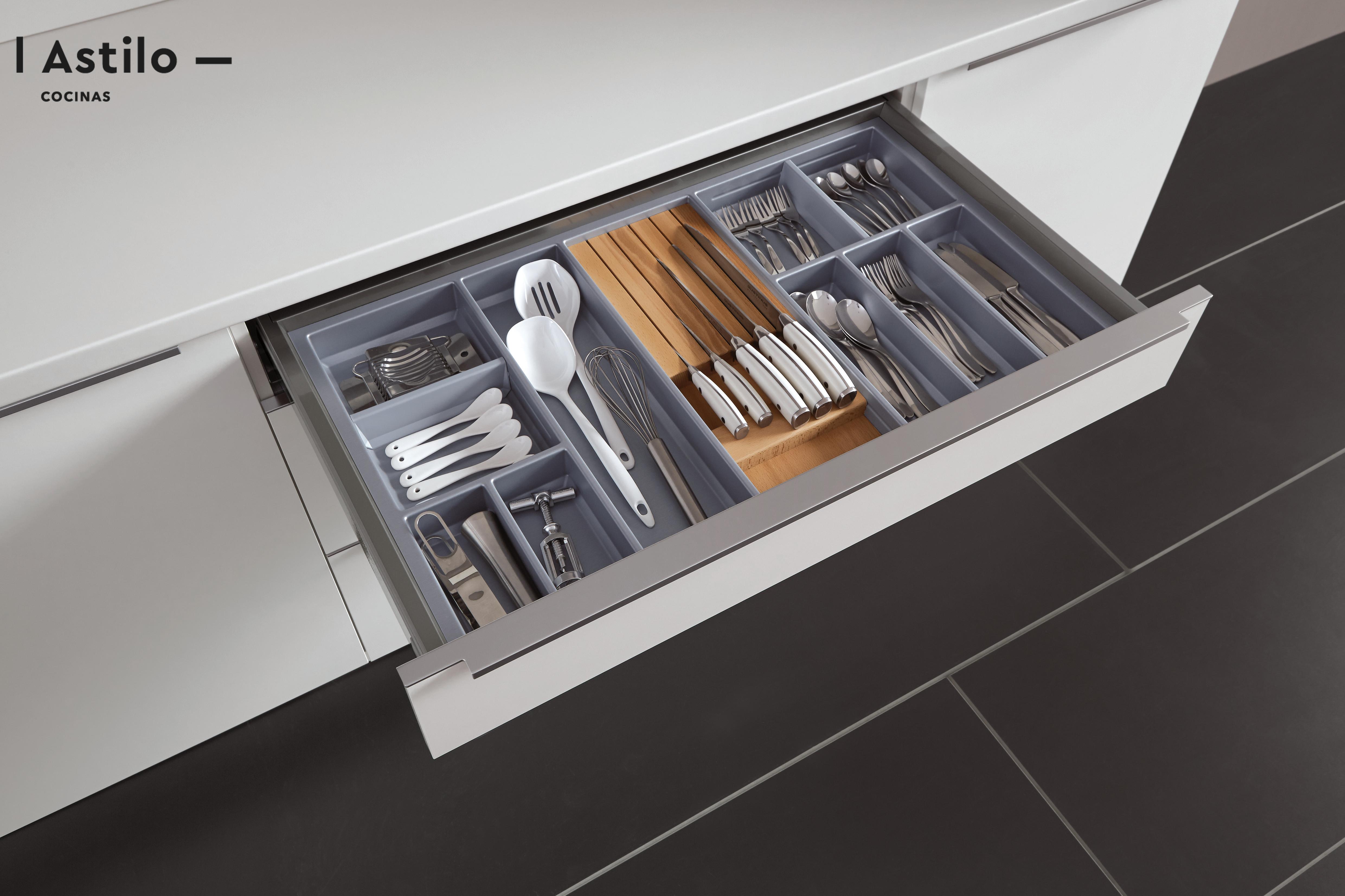 Espacio de almacenaje para la cocina. Reformar cocina